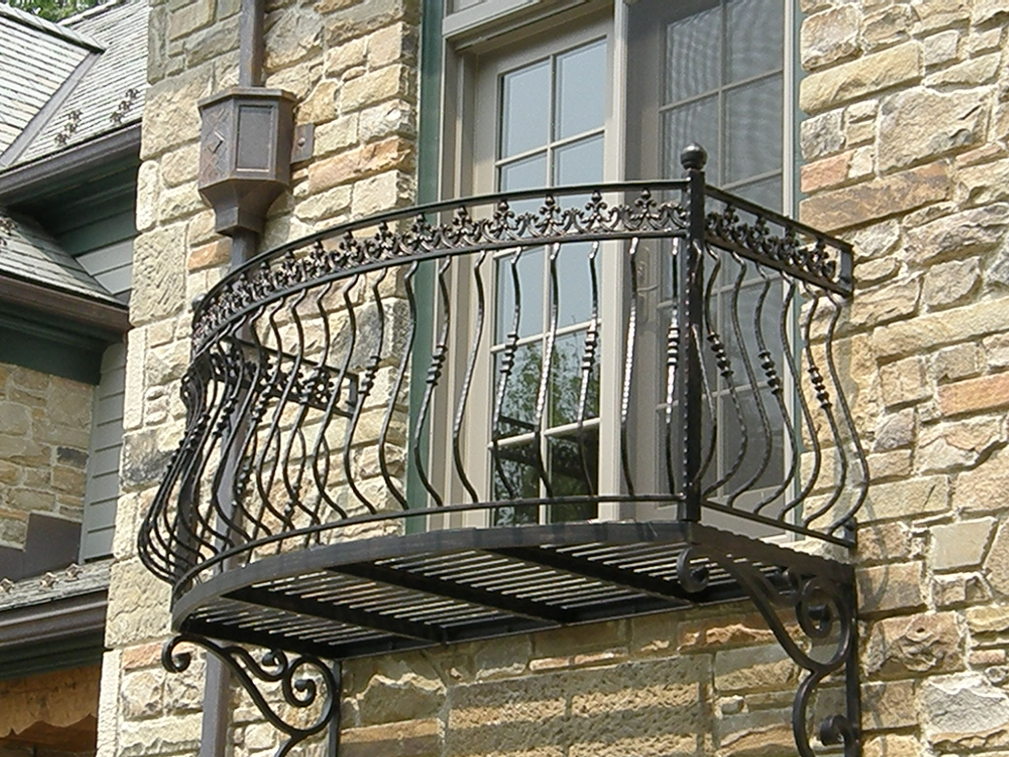 Finelli ironworks semi circle balcony railing finelli for Balcony french