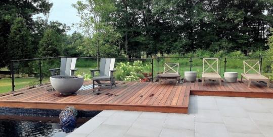 glass pool railing